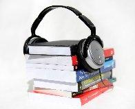 bøker med headset