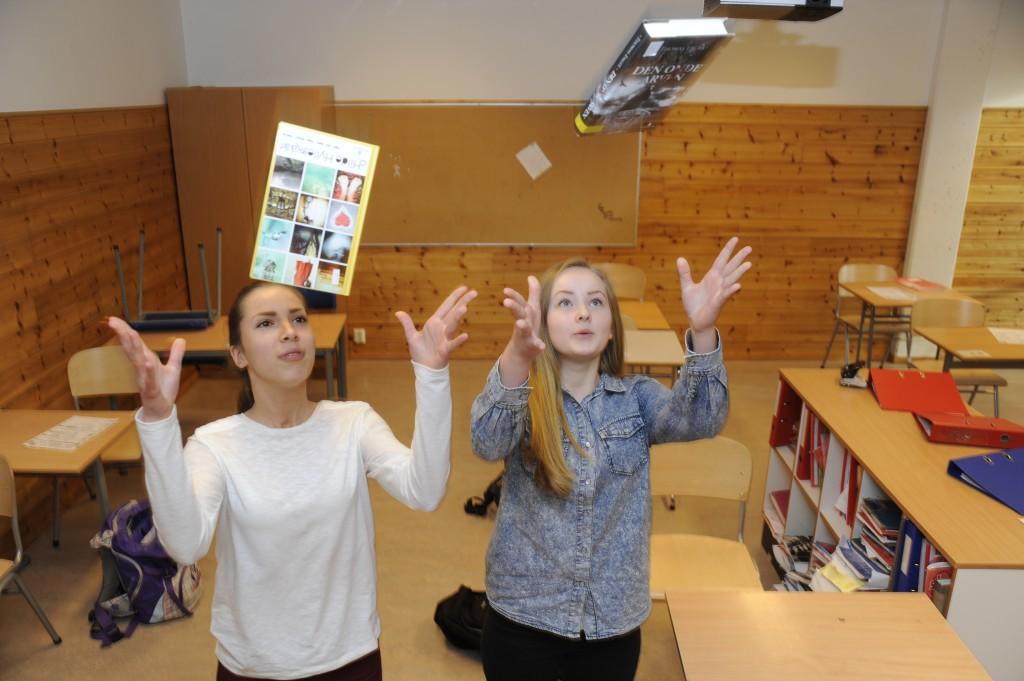 Elever fra Sagatun skole. Fra venstre: Jenny Jorddal Lønning, Stine Grøneng