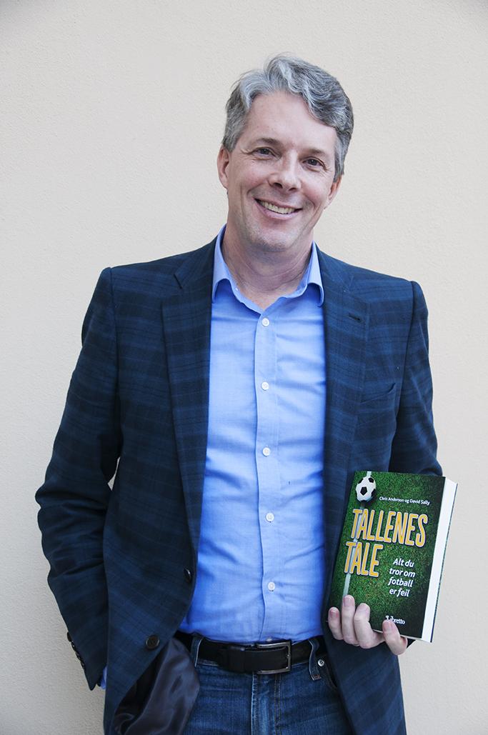 Fotball og tall: Forfatter David Sally var i Norge for å promotere boken Tallens tale. Foto: Vibeke Røgler/Foreningen !les.